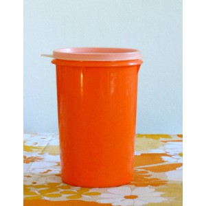 Boite Tupperware orange 70's