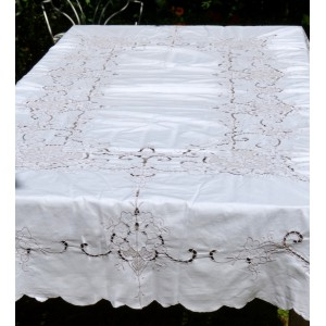 Nappe rectangulaire brodee...