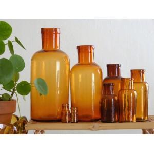 8 Flacons pharmacie anciens...