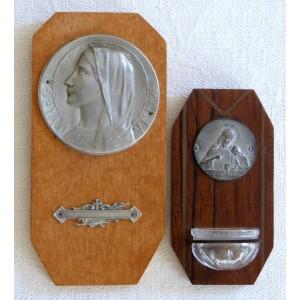 2 anciens benitier & plaque...