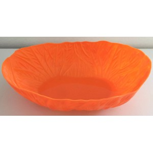 Corbeille orange en plastique