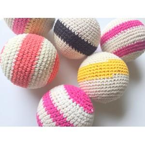 6 boules en crochet en couleur