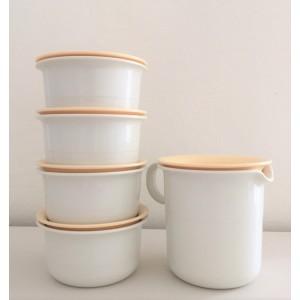 5 boites/pichet Tupperware...