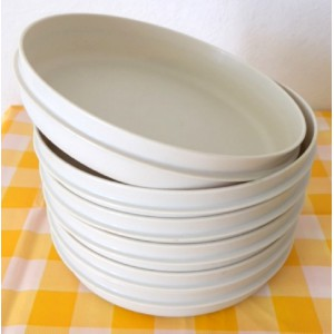 6 Assiettes Tupperware...