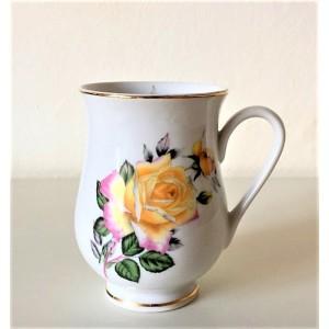 Tasse Mug vintage sur pied...