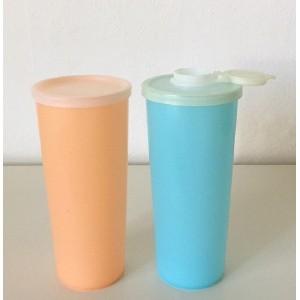 2 pots gobelet shaker...
