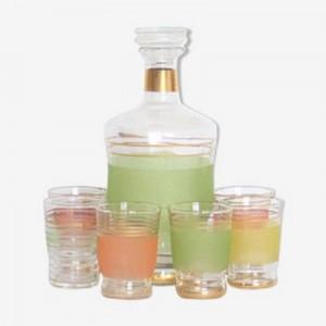 Carafe et 6 verres granites...