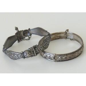2 Bracelets ethniques...