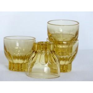 4 anciens petits verres jaunes